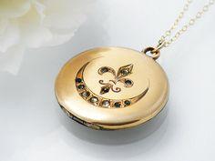 Antique Locket  / Victorian Gold Locket / Matte by ClosetGothic