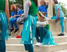 https://flic.kr/s/aHskgwUxU3 | Farnham in Bloom 2015 | Farnham in Bloom was a dance created by The Dance Movement with 150 young people from Farnham in Surrey.  The dance celebrated 25 years of Farnham in Bloom with Farnham Town Council.