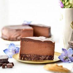 No-Bake Vegan Chocolate Peanut Butter Cheesecake - Joyfoodsunshine