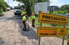 Inician trabajos de bacheo en colonia Lomas de Chiapas http://noticiasdechiapas.com.mx/nota.php?id=87237