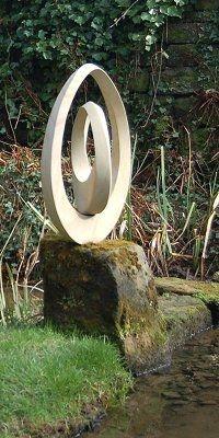 Jim Milner sculpture - geometric stone sculpture Mobius III