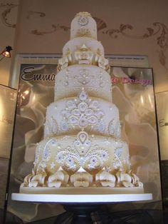 alexia dives posted emma jayne to their -wedding cakes- postboard via the Juxtapost bookmarklet. Extravagant Wedding Cakes, Amazing Wedding Cakes, Elegant Wedding Cakes, Elegant Cakes, Wedding Cake Designs, Wedding Cake Toppers, Amazing Cakes, Ivory Wedding, Wedding Ideas