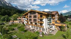 Hotels, Salzburg, Cabin, Mansions, House Styles, Places, 1, Romantic Vacations, Happy Holidays
