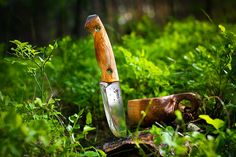 Review: Helle Utvær Piotr takes a break from packs to give us his thoughts on the Scandinavian knife that brings the complete package for any bushcraft hiker…  [[MORE]] Scandinavian knives will always...