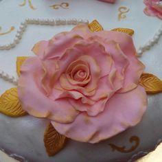 Fondant roses