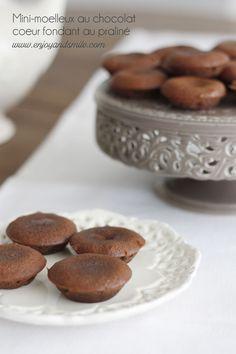 Vous ne ferez qu'une bouchée de ces mini-moelleux au chocolat et coeur fondant au praliné
