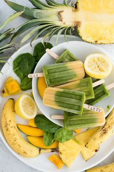 These Green Machine Popsicles are dairy free and customizable with different fruit options! These Green Machine Popsicles are dairy free and customizable with different fruit options! Homemade Fruit Popsicles, Smoothie Popsicles, Healthy Popsicles, Mango Popsicles, Smoothies, Healthy Fruits, Healthy Drinks, Healthy Snacks, Healthy Eating