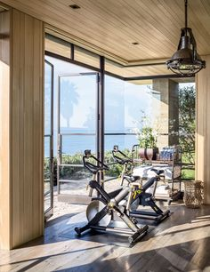 Résultats de recherche d'images pour « Basement Gym with large windows »