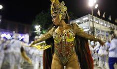 Patrícia Nery é a rainha de bateria da Portela Daniel Marenco / O Globo