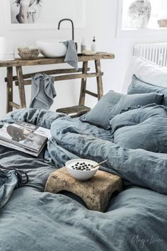 Bring a touch of calm and effortless elegance to your bedroom with blue linen bedding. Linen duvet covers, pillowcases, sheets and more available in various colors and styles. Bed Linen Sets, Linen Duvet, Bed Sets, Linen Fabric, Neutral Bed Linen, Black Bed Linen, Home Design, King Bedroom Sets, Decor Inspiration