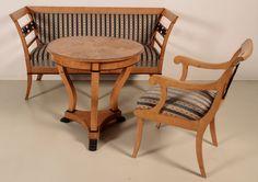 dreiteilige neorenaissance salon sitzgruppe epoche neorenaissance holzart nussbaum ma e. Black Bedroom Furniture Sets. Home Design Ideas