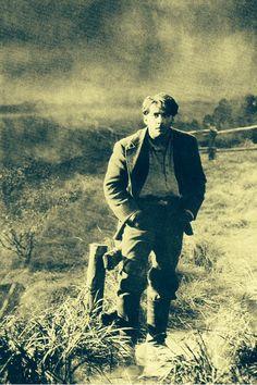 George O'Brien in 'Sunrise' (1927) ...
