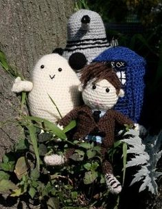 A website that shows easy instructions!! Crochet can be used to make a wide range of items including amigurumi (stuffed toys), clothes, scarves, blankets, decor and much more - and all...