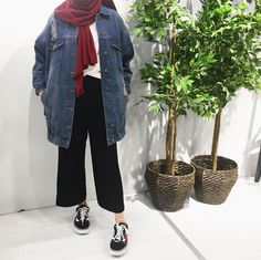 Casual Hijab Outfit, Ootd Hijab, Hijab Chic, Casual Outfits, Street Hijab Fashion, Muslim Fashion, Modesty Fashion, Fashion Outfits, Boyish Style
