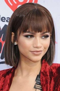 Chic Short Haircuts with Bangs - Facial shape, skin tone, hair texture – none of these matters when one opts for bangs. In fact, when you sport short hair Long Bob Haircut With Bangs, Short Bob Haircuts, Summer Haircuts, Short Bangs, Medium Bob With Bangs, Blunt Bob With Bangs, Bang Haircuts, 2018 Haircuts, Straight Bangs