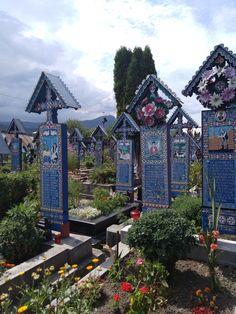 Cimitirul Vesel Sapanta - Maramures Mansions, House Styles, Home Decor, Decoration Home, Manor Houses, Room Decor, Villas, Mansion, Home Interior Design