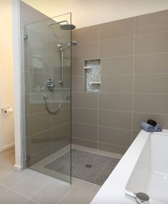 Walk in shower plus recess holder & bath - nice for the master bathroom (and small space)