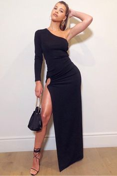Sofia Richie wearing Haney Jersey Black One Shoulder Gown, Edie Parker Shorty Velvet Bag and Jennifer Fisher Bolden Hoop Earrings Sofia Richie, Buy Dress, Dress Up, Prom Dress, Sexy Dresses, Fashion Dresses, Black One Shoulder Dress, Style Personnel, High Fashion Looks