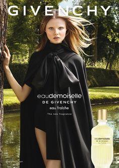 """Magdalena Frackowiak foi mais uma vez escolhida pela Givenchy para ser rosto da fragrância Eaudemoiselle, agora lançada em versão """"eau fraîche"""""""