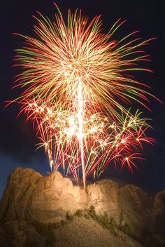 Pix For > Mount Rushmore Fireworks