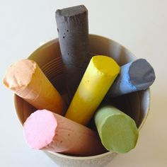 Make your own sidewalk chalk in pretty custom colors. Perfect summer project.
