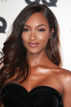 These Are Fall's 10 Hottest Brunette Hues, According to Hair Pros color para morenas Cocoa on Cocoa Celebrity Hairstyles, Diy Hairstyles, Men's Hairstyle, Hairstyle Ideas, Dark Skin Beauty, Hair Beauty, Fall Hair Color For Brunettes, Color Del Pelo, Brunette Hair
