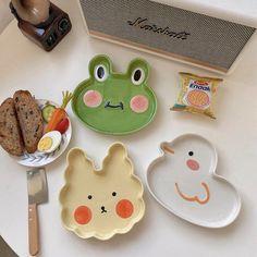 Ceramic Clay, Ceramic Pottery, Pottery Art, Clay Plates, Ceramic Plates, Ceramic Decor, Keramik Design, Clay Art Projects, Cute Clay