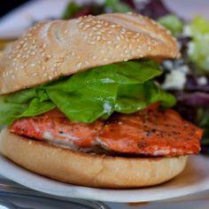 Receita Light da Semana: hambúrguer de salmão
