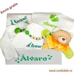 Regalos originales para bebés. Totalmente personalizables para que cada regalo sea especial. Personalized Gifts, Newborn Baby Gifts, Gift Shops, Baskets