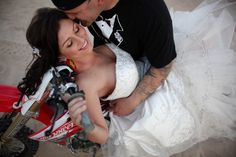 Dirtbike wedding pic omg perfect for rob <3