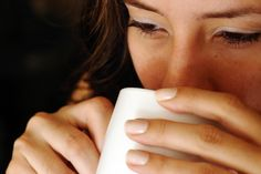 El 80% de las personas toman café.