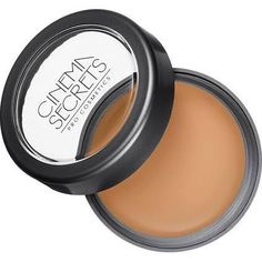 cinema secrets foundation for complete coverage, used by Sandra Lee