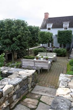 APLD 2010 International Landscape Designer of the Year & Gold Award Winner James Doyle, James Doyle Design Associates, Greenwich, CT Great Stonework in this garden.