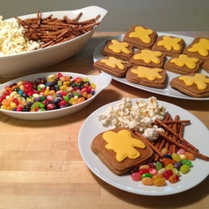 """Snoopy Thanksgiving with """"Toast"""" cookies."""