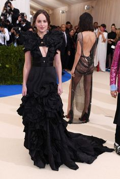Dakota Johnson.. bespoke Alessandro Michele Couture gown..... - Celebrity Fashion Trends