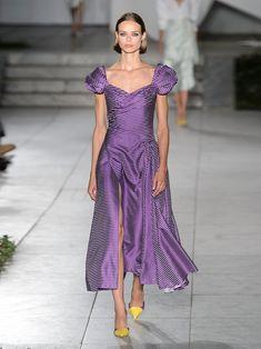 Sweetheart-neckline, puff-sleeve gingham dress | Carolina Herrera | MATCHESFASHION.COM