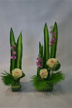 Arrangements Ikebana, Creative Flower Arrangements, Modern Floral Arrangements, Ikebana Flower Arrangement, Church Flower Arrangements, Altar Flowers, Church Flowers, Flower Box Gift, Flower Boxes