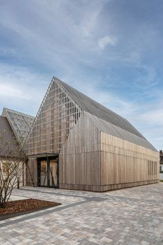 Timber Architecture, Sustainable Architecture, Architecture Details, Landscape Architecture, Facade Design, Exterior Design, Wood Facade, Modern Barn House, Inside Design
