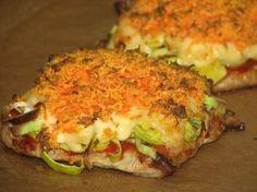 Plastry schabu zapiekane z porem i marchewką Easy Chicken Recipes, Pork Recipes, Snack Recipes, Cooking Recipes, Healthy Recipes, My Favorite Food, Favorite Recipes, Healthy Dishes, Food Design