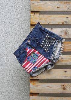 Summer Flowers Wrangler Studs Highwaist Studded Jeans, Patchwork Jeans, Painted Jeans, Distressed Denim Shorts, Summer Flowers, Handmade Clothes, Short Girls, Flower Prints, Fashion Prints