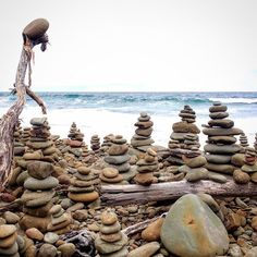 Stacked stones at Crairsbrook creek on the Great Ocean Road  #stackedstones #rocks #greatoceanroad #melbourne #victoria #sea #carisbrookcreek by ginnierichichi