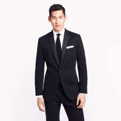Love the Ludlow tuxedo jacket with double vent in Italian chino on Wantering | holiday fashion for guys | menswear | mens style | mens fashion | wantering http://www.wantering.com/mens-clothing-item/ludlow-tuxedo-jacket-with-double-vent-in-italian-chino/pmAV0X/