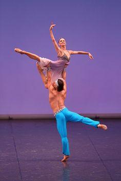 Natalia Osipova and Ivan Vasiliev performing Le Corsaire at a gala. Photo: Kiyonori Hasegawa.