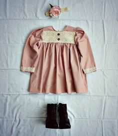The Bespoke Child is all about appropriate, comfortable and old fashioned style clothing for children for day and costume wear. ~♥~~♥~~♥~ EMMY LOU DRESS ~♥~~♥~~♥~  A replica of style of the girls dresses worn in country Australia around the late 1800s - early 1900s. When towns were booming, girls were playing in these smock style dresses. Made of fine thread count cotton which has a soft old French farmhouse premium medium weight touch to it, giving this dress an authentic feel of a bygone…