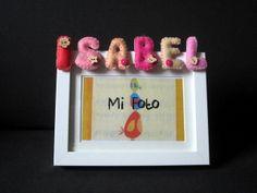 Marco de fotos con nombre en fieltro: Isabel by ChikiPol, via Flickr