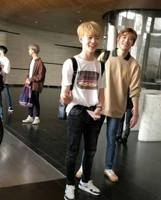 lucas is an honorary part of nct dream don't @ me on this Taeyong, Jaehyun, Nct 127, Nct Chenle, Johnny Seo, Lucas Nct, Na Jaemin, Fandoms, Winwin