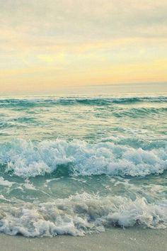 beach, ocean, photography, sunset, tumblr, waves Waves Photography, Beach Wallpaper, Iphone Wallpaper, Beach Aesthetic, Chiaroscuro, Pics Art, Aesthetic Backgrounds, Beach Pictures, Ocean Waves