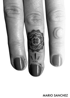 Mandala on finger