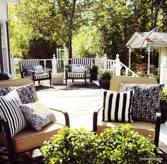 63 Best Ideas Black And White Patio Furniture Pillows - Modern Design White Patio Furniture, Patio Furniture Cushions, Patio Cushions, Outdoor Furniture Sets, Furniture Layout, Furniture Ideas, Cheap Furniture, Furniture Makeover, Backyard Furniture