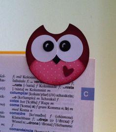 """Habe diese Eulen auf Pinterest gesehen (der Original-Pin ist auf meiner Pinwand """"Eulen"""" zu finden) und sie als Lesezeichen nachgemacht (mit Kreisstanzern). Little owls found on Pinterst (you can find the original pin on my pinboard """"owls""""). I had to make them, but in this case as little bookmarks, all made with circle punches."""